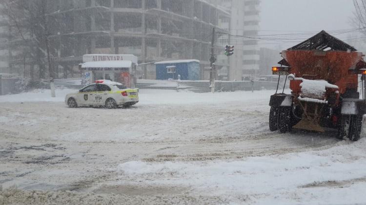 Situaţia în Chișinău la ora 13.00, în condiție de ninsoare abundentă