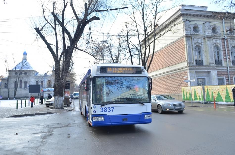 Linia de troleibuz nr. 24 va fi divizată? Primăria Chișinău solicită opinia cetăţenilor!