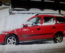 Un automobil amplasat într-un garaj de la Buiucani, răpit