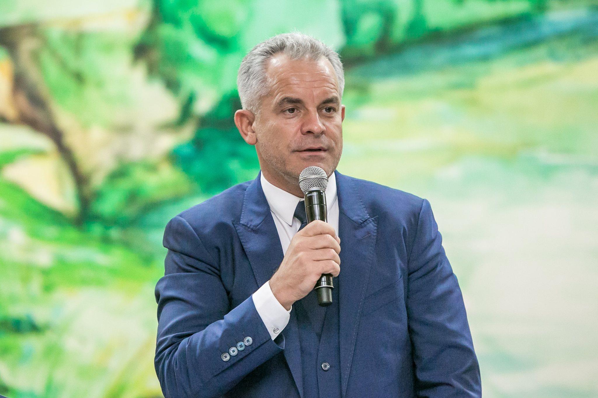 """Vladimir Plahotniuc a rămas fără distincția """"Ordinul Republicii"""""""