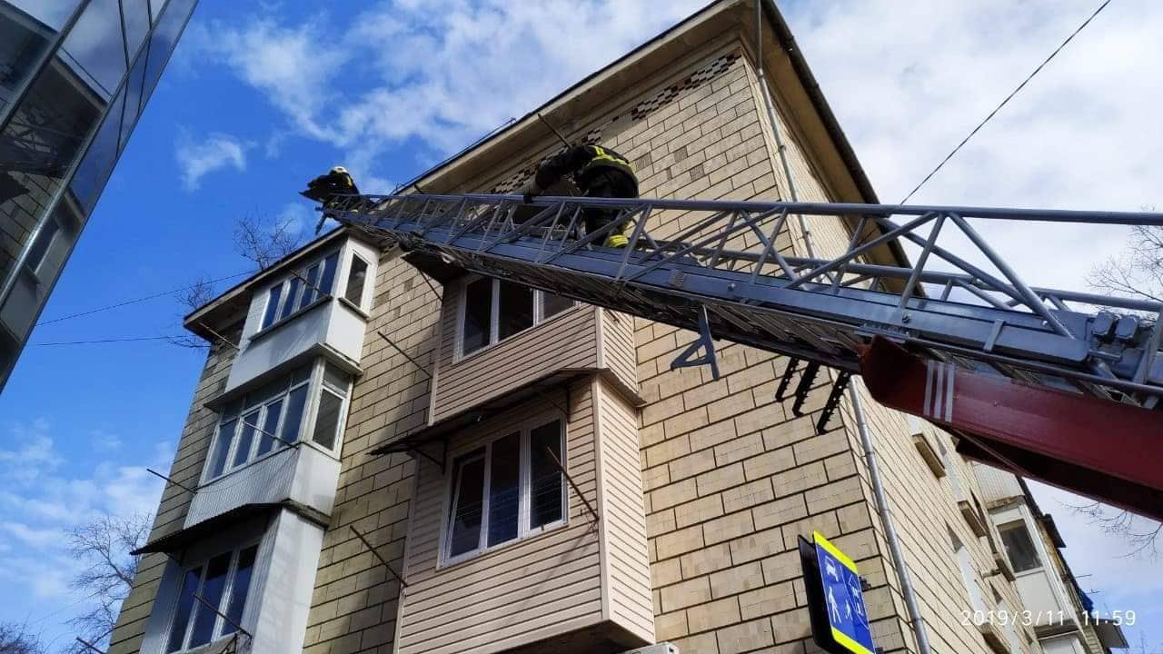 Mai multe clădiri din nordul țării au fost afectate, în urma vântului