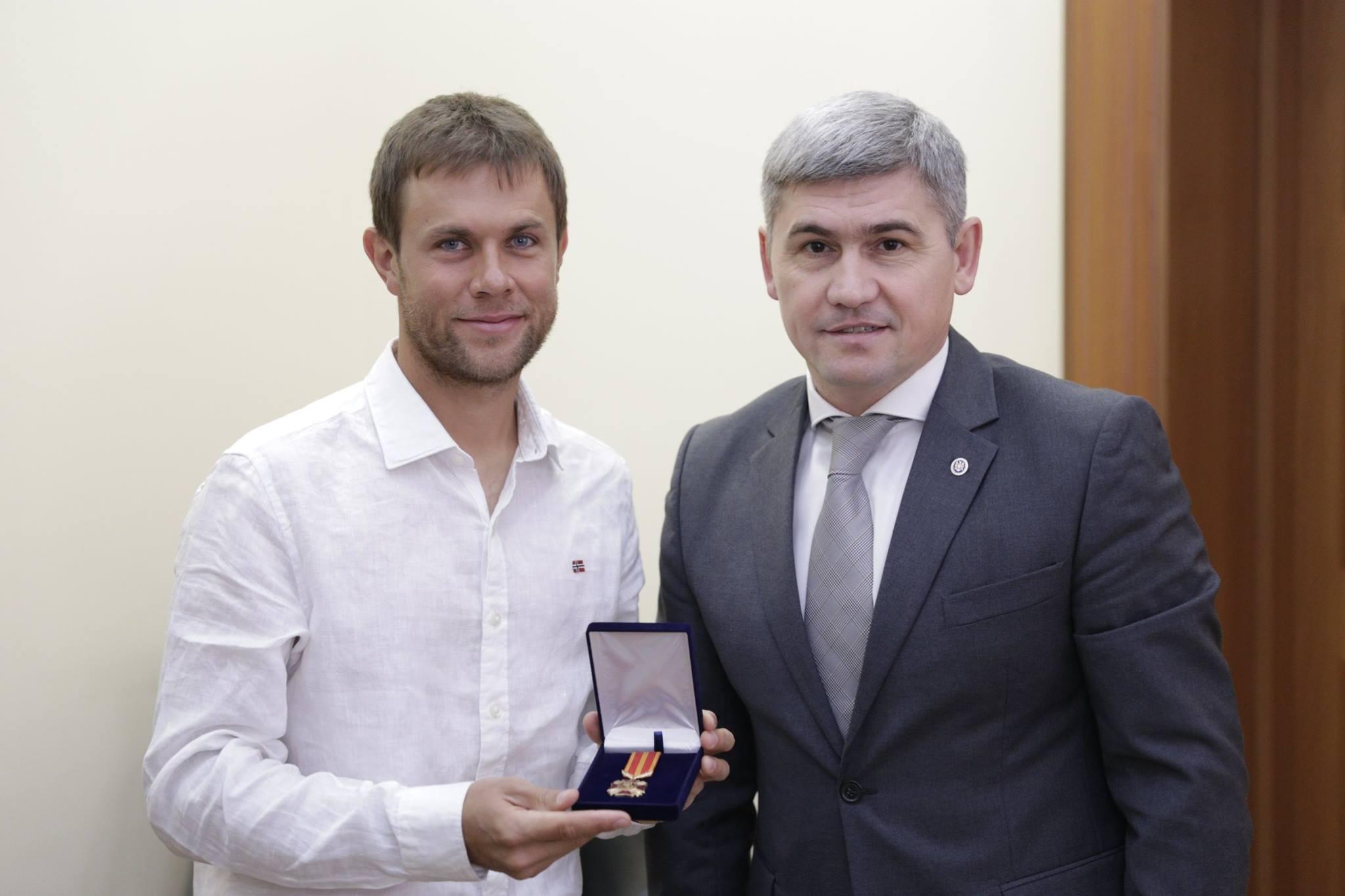 """Radu Albot – decorat de MAI cu Crucea """"Pentru merit"""" de gradul I"""