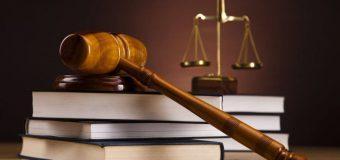 Ex șefa-casei din cadrul filialei Râșcani a unei bănci, condamnată și luată sub strajă din sala de judecată