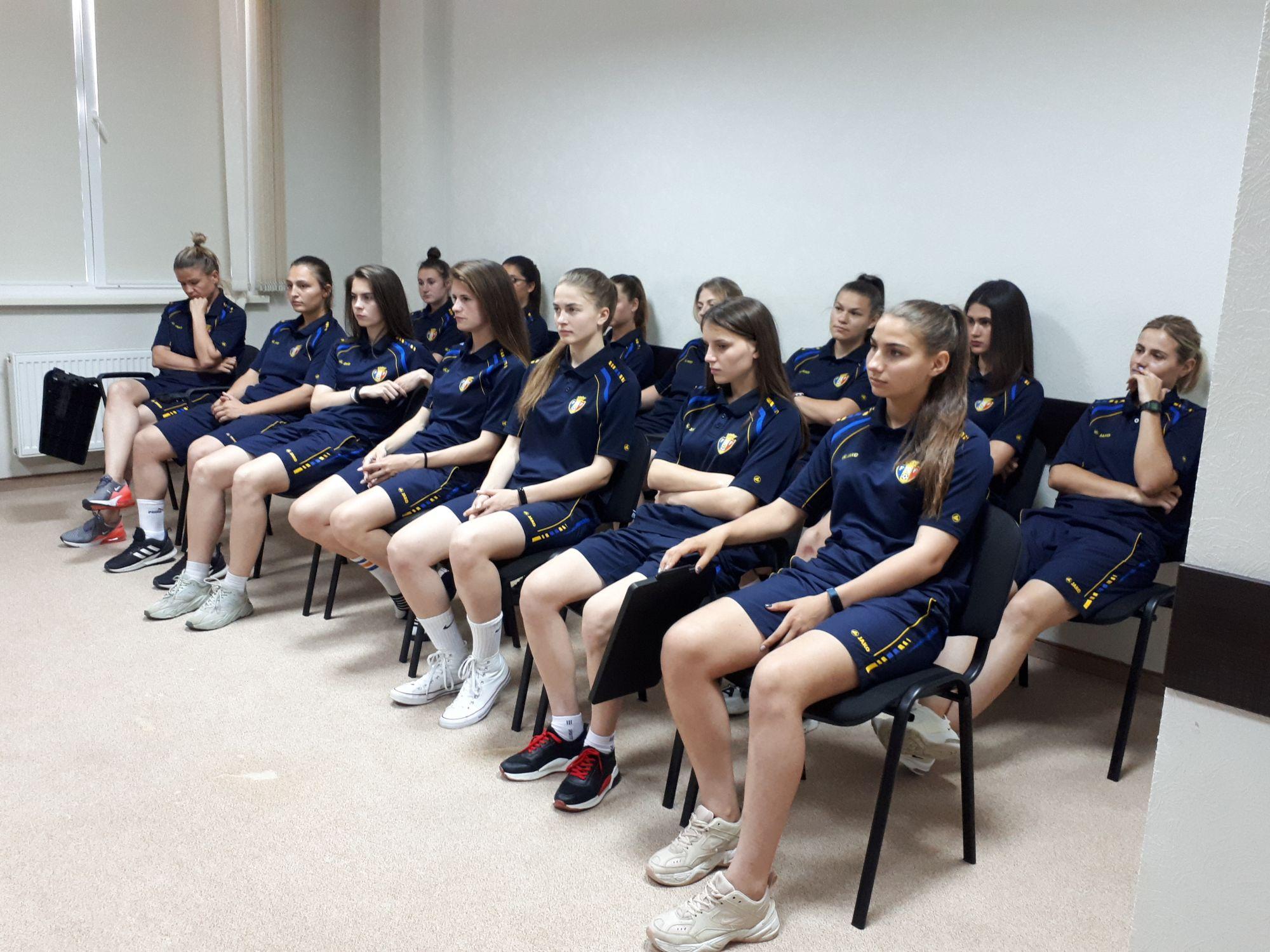 Naționala feminină a Moldovei la forbal s-a reunit într-o ședință. Detalii!