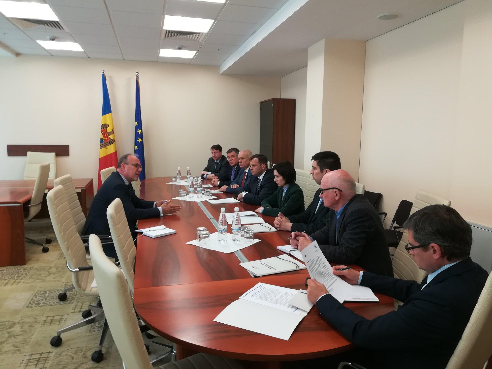 Ambasadorul României: Asumarea pe deplin a parcursului european al RM reprezintă unica modalitate de consolidare a democrației