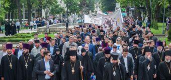 Igor Dodon a participat la Marșul pentru susținerea familiei tradiționale, organizat de Mitropolie