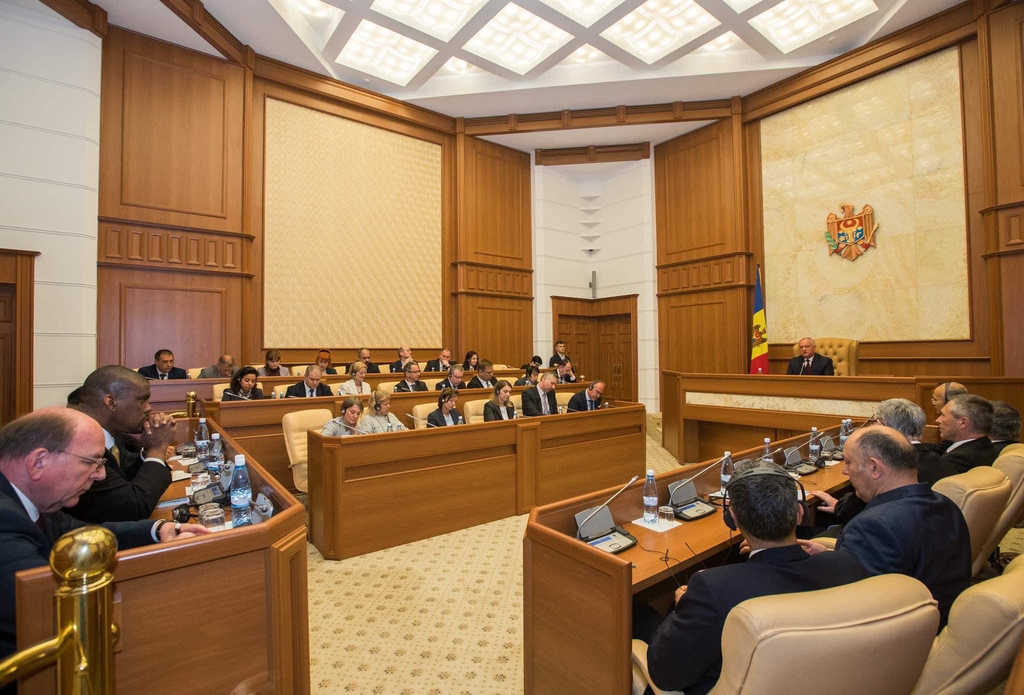 Igor Dodon, la discuții cu ambasadorii acreditați la Chișinău
