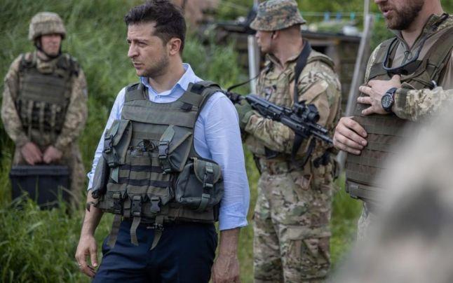 Ucraina: Noul preşedinte al ţării – pe linia frontului din estul Ucrainei (FOTO)