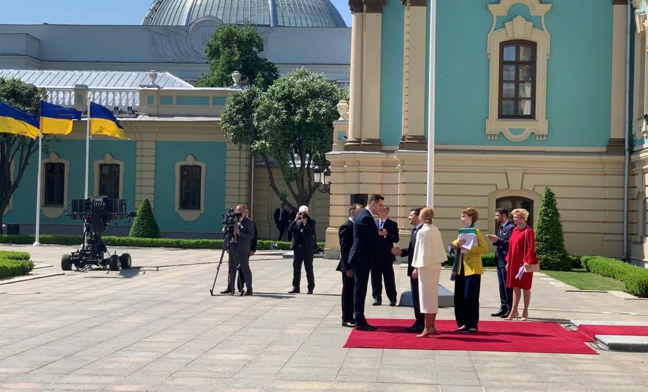Ce i-a spus ministrul de Externe al RM noului Președinte al Ucrainei