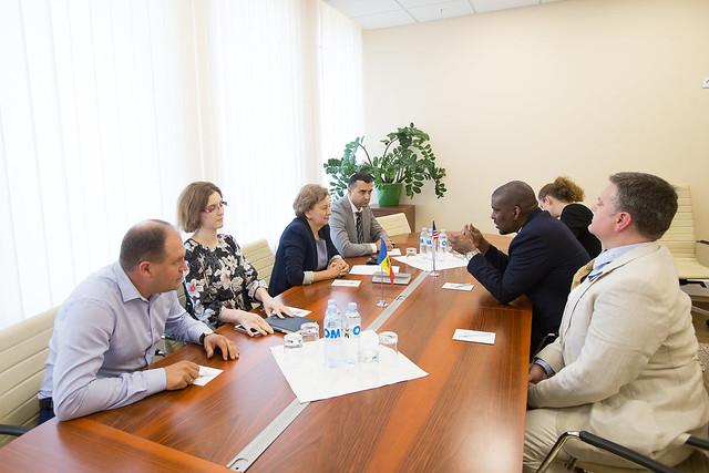 Ambasadorul SUA în Republica Moldova s-a văzut cu noul Președinte al Parlamentului