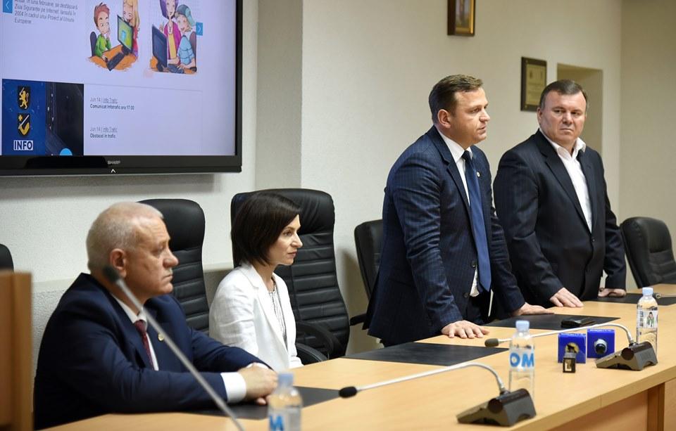 Ministrul de Interne și șeful interimar IGP – prezentați, de Maia Sandu, polițiștilor