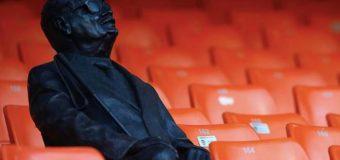 Omagiu pentru un suporter orb: Valencia i-a ridicat o statuie pe stadion