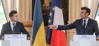 """Macron l-a primit pe Zelenski, salutând """"curajul"""" şi """"determinarea"""" noului preşedinte ucrainean"""