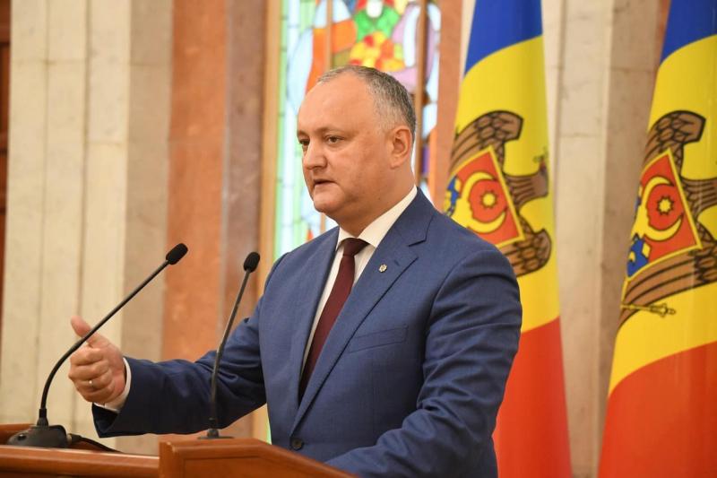 """Președintele Dodon: Statul va întreprinde toate acțiunile legale pentru întoarcerea Companiei """"Air Moldova"""" în proprietatea statului"""