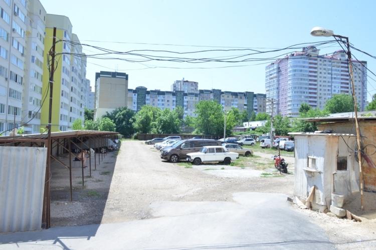 O parcare auto din Capitală va fi demolată