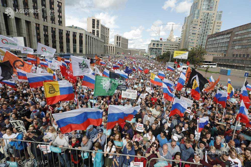 Peste 20.000 de manifestanţi au cerut, la Moscova, alegeri locale libere