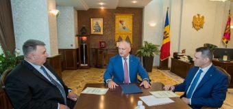 Președintele Dodon – la discuții cu piloții moldoveni care au fost ținuți ostatici în Afganistan