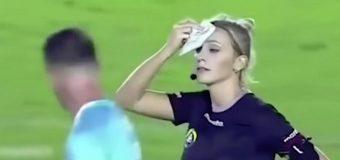 O arbitră a devenit celebră peste noapte, după o farsă memorabilă pe terenul de fotbal