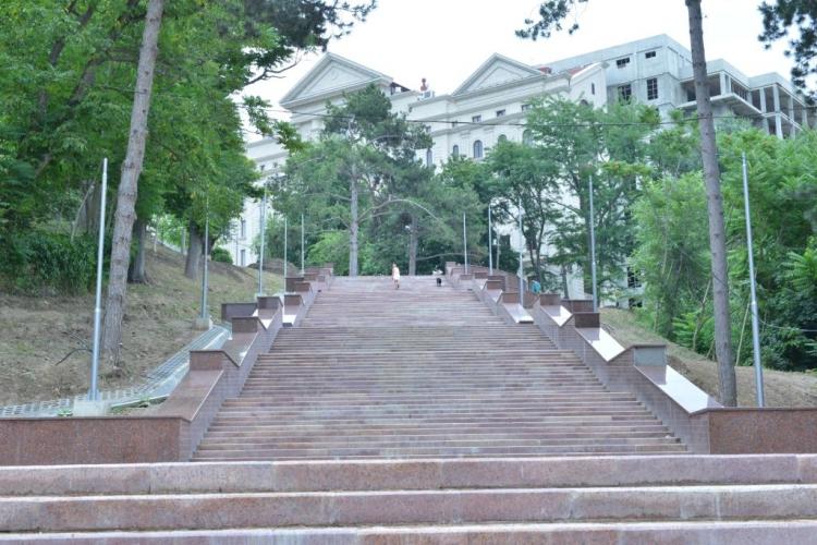 """Etapa la care se află lucrările de construcție a scărilor din Parcul """"Valea Morilor"""" (FOTO)"""