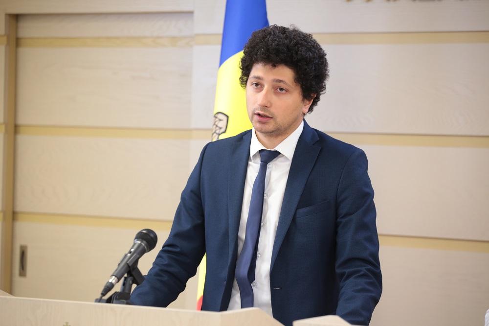 """Deputat: """"Avem toate dovezile ca să credem că Prim-ministrul Chicu a folosit ilegal…"""""""