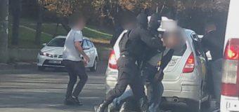 Doi bărbați, arestați pentru trafic de droguri (VIDEO)