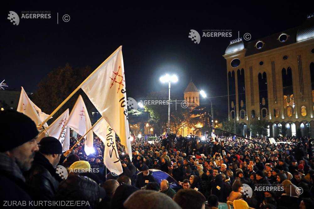 Georgia: Circa 20.000 de manifestanţi au protestat pentru a mări presiunea asupra partidului la putere