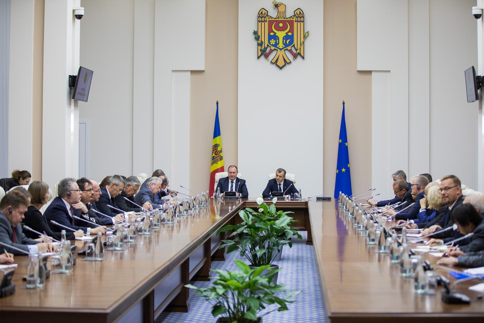 Ion Chicu s-a văzut cu ambasadorii acreditați la Chișinău