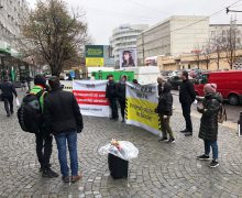 Persoanele păgubite, în urma sustragerii de la sucursala MAIB Buiucani, continuă protestul