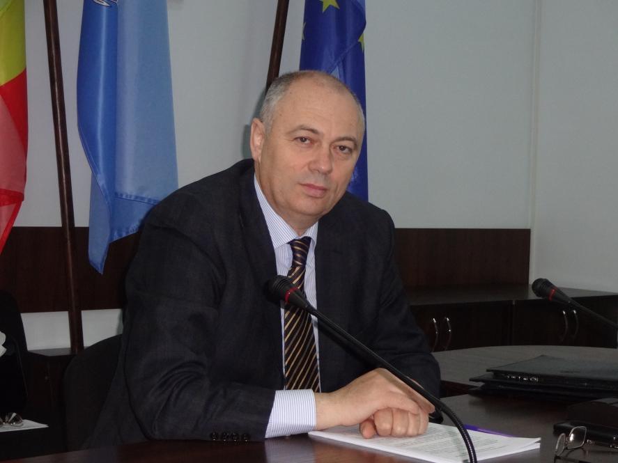 """(INTERVIU) Valeriu Pasat: """"SIS trebuie să se afle în serviciul țării și poporului, dar să-i fie subordonat, totuși, președintelui"""""""