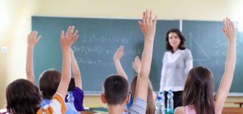 Violența asupra profesorilor din partea elevilor sau părinților urmează a fi sancționată