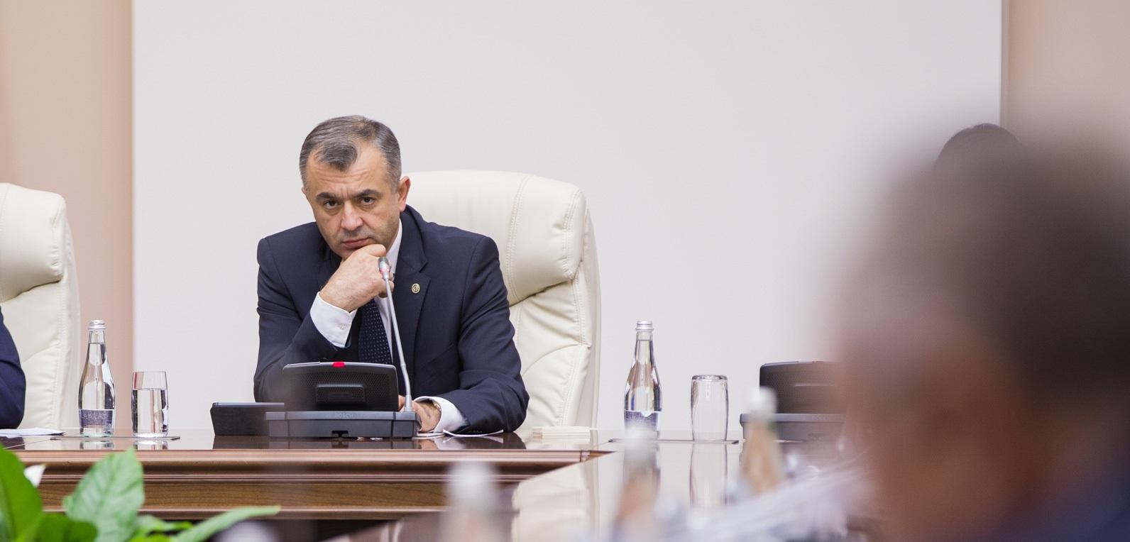 """Prim-ministrul către președinții de raioane: """"Până la sfârșitul lunii ianuarie vreau să vin în fiecare raion"""""""
