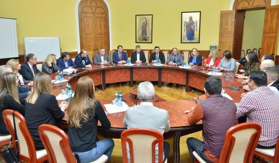 Ședință istorică: Consilierii municipali din Chișinău și București – la aceeași masă