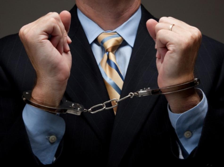 Un avocat a fost reţinut de CNA pentru o mită de 14 000 de euro