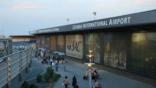 """Coronavirus: Italia suspendă toate zborurile """"dinspre şi către"""" China"""