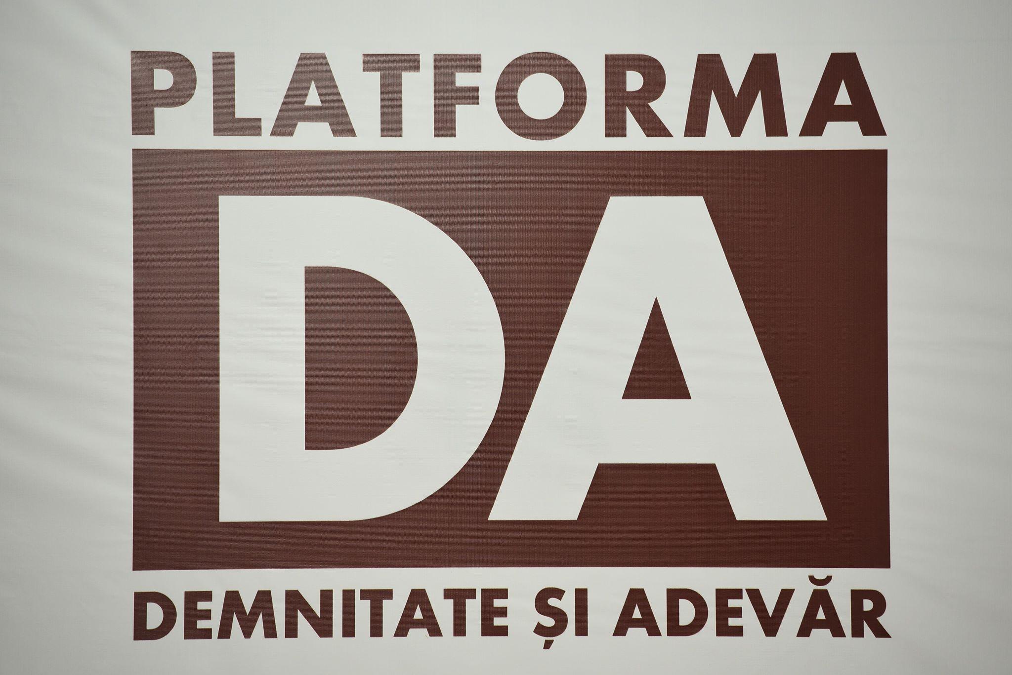 """Platforma """"DA"""": De 2 luni, batem alarma asupra neputinței acestui guvern de a se descurca pe timp de pandemie"""