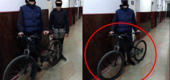 Doi minori au fost reținuți pe urme fierbinți, după ce au sustras doua biciclete
