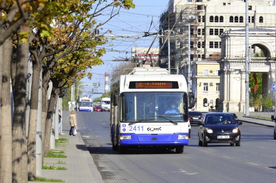 Va fi suplinit numărul de troleibuze și autobuze, astăzi, în Capitală