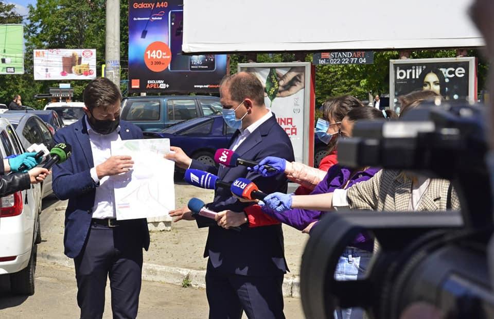 Astăzi a fost prezentat un nou regulament pentru publicitatea stradală în Chișinău
