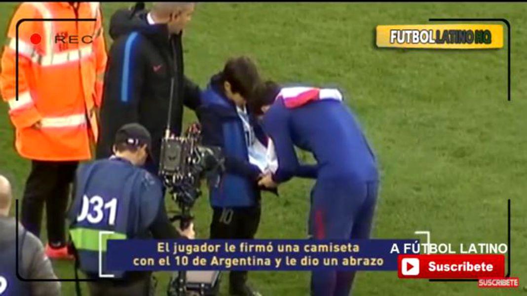 Un român a fost acceptat la academia Barcelonei! Puștiul care a sărit pe teren să îl îmbrățișeze pe Messi își îndeplinește visul