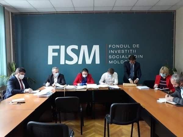 """La FISM s-a desfășurat ședința publică de deschidere a ofertelor în cadrul subproiectului """"Lucrări civile la Liceul Teoretic """"Ion Pelivan"""""""" din Răzeni"""