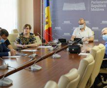 La Parlament a fost examinată lansarea procesului educațional în anul de studii 2020-2021