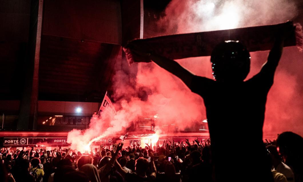Noapte albă la Paris! Fanii lui PSG au ieșit în stradă după victoria istorică