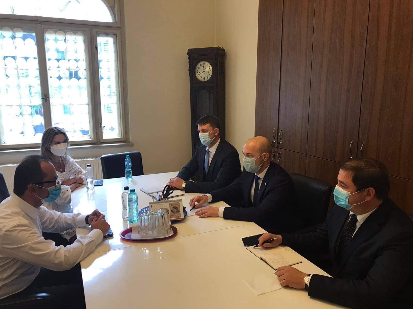"""Directorul AMDM către europarlamentarul Cristian Bușoi: """"Mizăm pe susținerea României și a UE în obținerea vaccinurilor Anti-Covid-19"""""""