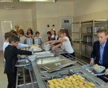 Sistemul de alimentație a copiilor din grădinițele și școlile publice din Chișinău va fi revizuit