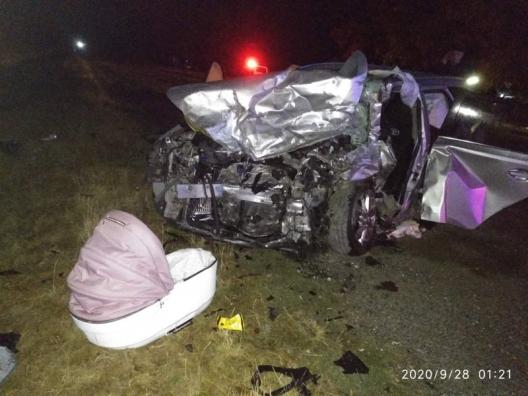 Trei persoane au decedat, printre care și un bebeluș de 3 luni, într-un grav accident rutier