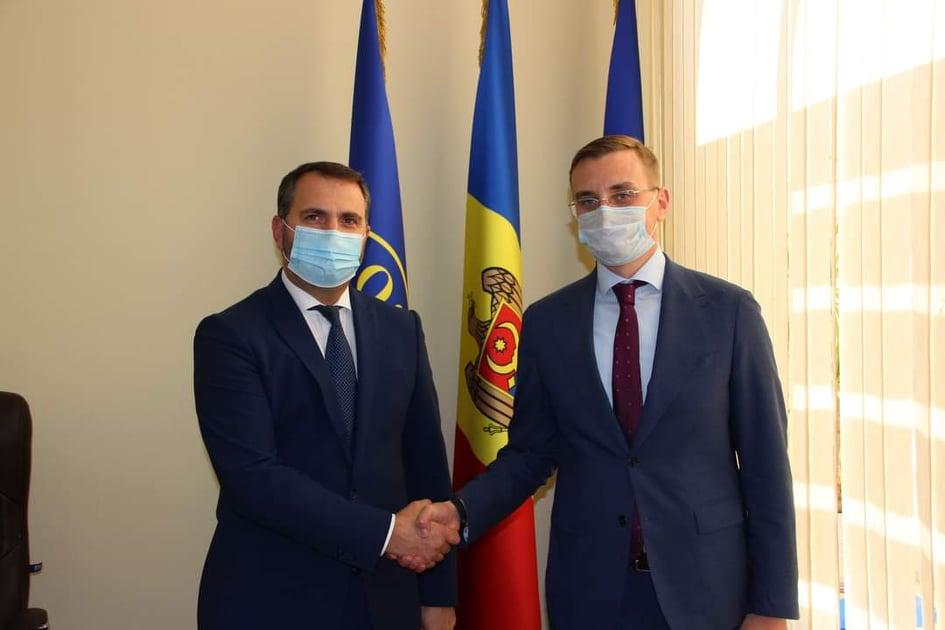 """Administrația Î.S. """"Poșta Moldovei"""" și experții Programului USAID pentru Reforme Structurale în Moldova au pus bazele unui parteneriat"""