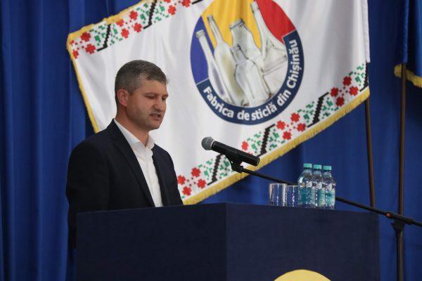 Pavel Perju: La concret, în prezent, Fabrica de Sticlă din Chișinău produce circa 4300-4400 tone de sticlă pe lună