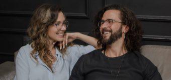 Pasha Parfeni a lansat o piesă cu versuri scrise de soția sa