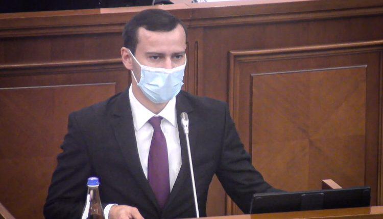 Deputat: Se întâmplă o mare nedreptate și de fiecare dată când merg pe bl. Ștefan cel Mare…