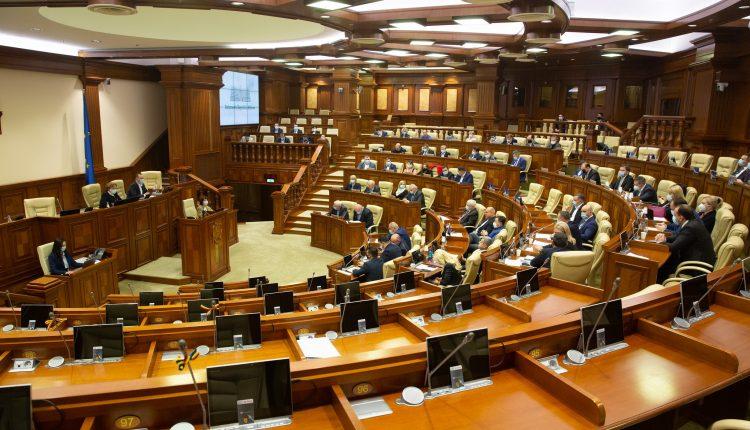Deputații au aprobat în lectura finală noi măsuri de prevenire a răspândirii COVID-19 printre angajați și de susținere a mediului de afaceri